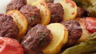 Fırında Köfte Patates Tarifi – Fırında Patates Nasıl Yapılır?