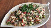 Çökelek Salatası Tarifi – Çökelek Salatası Nasıl Yapılır?