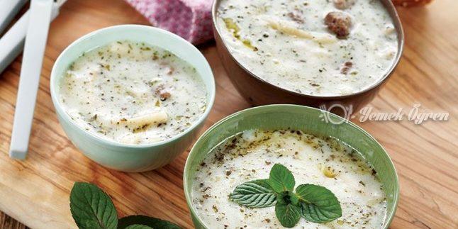 Erişteli Yoğurt Çorbası Tarifi – Erişteli Yoğurt Çorbası Nasıl Yapılır?