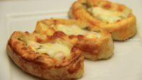 Peynirli Sandal Börek Tarifi – Peynirli Sandal Börek Nasıl Yapılır?