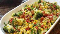 Brokolili sebze salatasi