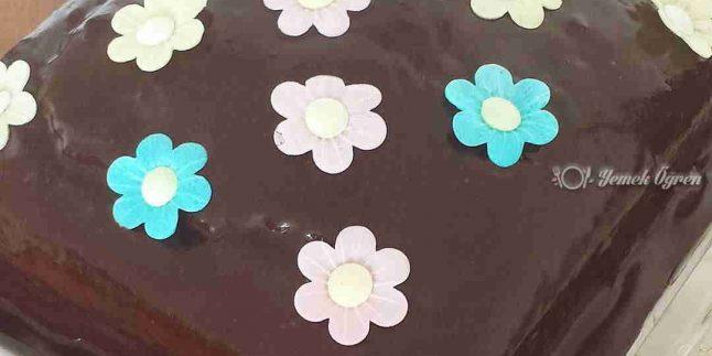 Enfes Çikolatalı Kek