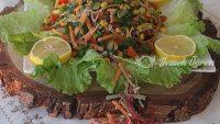 Renkli Erişte Salatası
