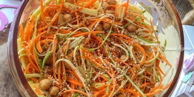 Nohutlu Çiğ Salata