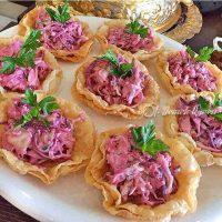 Yufka Çanağında Lahana Salatası