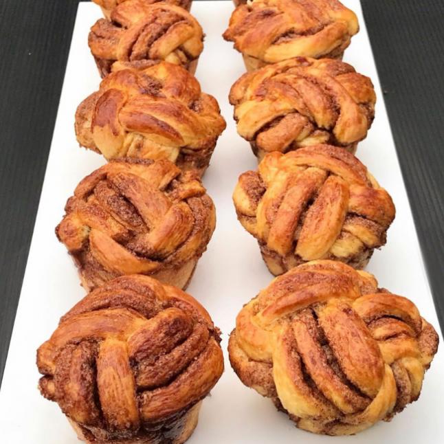Muffin Kalıbında Tarçınlı Çörek
