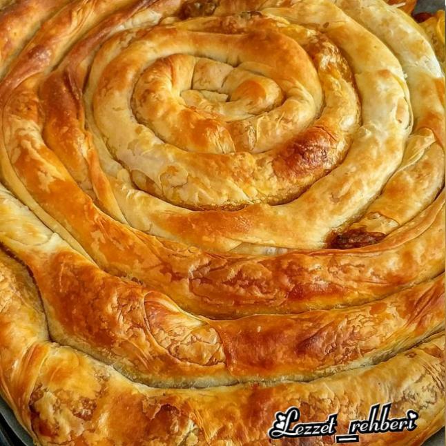 Patlıcanlı Boşnak Böreği