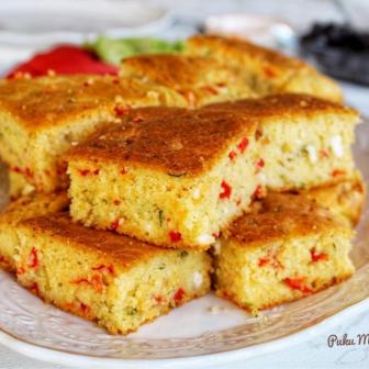 Sebzeli Ve Peynirli Mısır Ekmeği