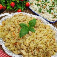 Tavuğuyla Beraber Pişen Pilav