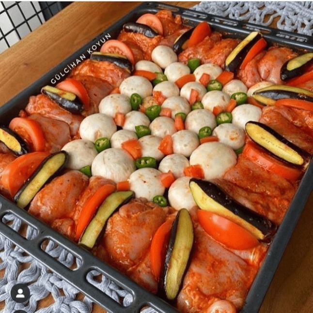 Tavuklu Sebzeli Fırın Yemeği