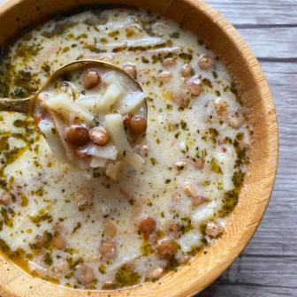 Mercimekli Erişte Çorbası