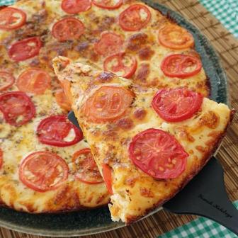 Domatesli Kekikli Pizza